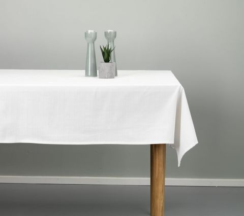 Tablecloth AGERMYNTE 140x240 off-white