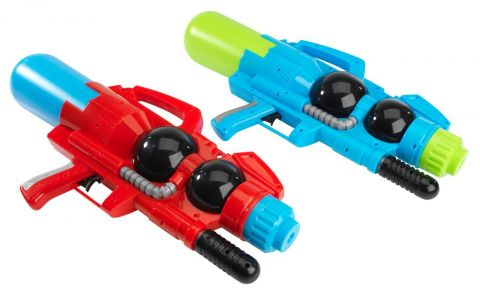 ..Water pistol TJIM ass.
